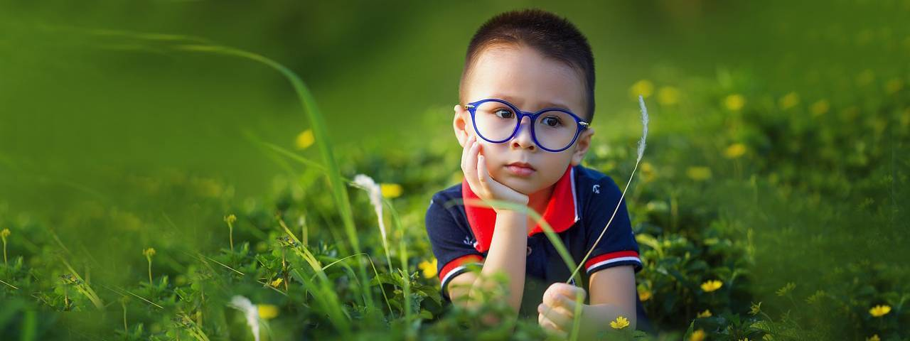 Male-Child-Glasses-Field-1280x480-1